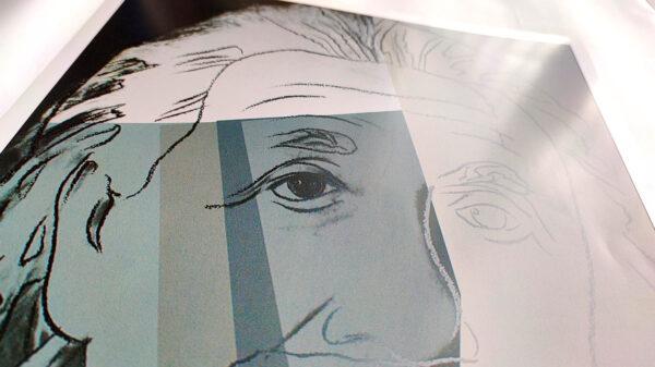 Andy Warhol - Albert Einstein - (c) the Andy Warhol Foundation for The Visual Arts, Inc., Kunstposter mit Spnede für gemeinnütziges Engagement, mit freudlicher Genehmigung der AKIM e.V.